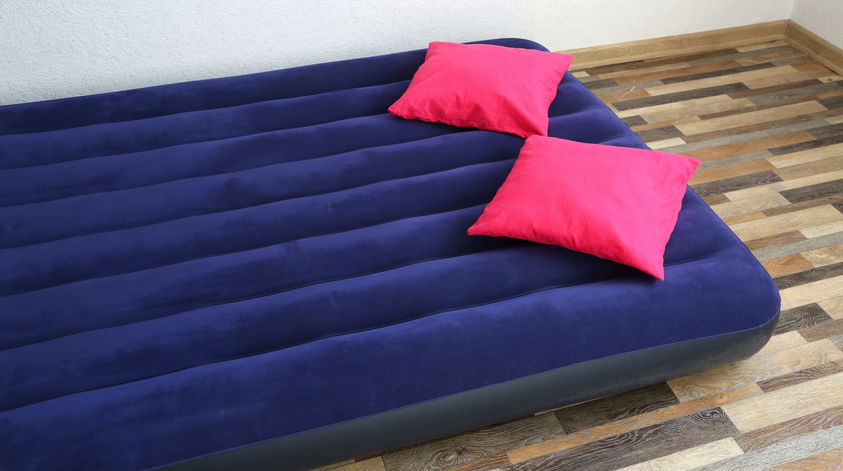 Aufblasbares Gästebett für die Übernachtung von Gästen